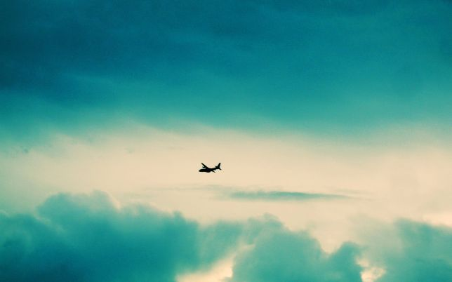 airplane-silhouette-in-the-sky-aircraft-hd-wallpaper-1920x1200-3408
